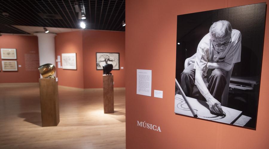 Exposición de Chirino