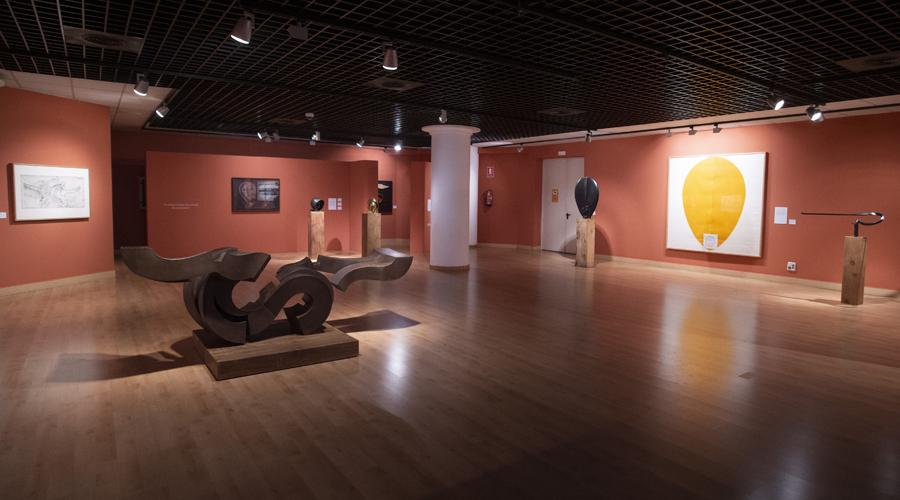 Exposición Chirino
